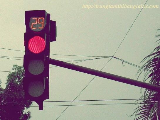 đèn đỏ phạt bao nhiêu