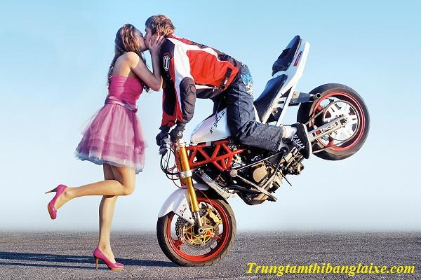 kỹ thuật phanh xe máy an toàn