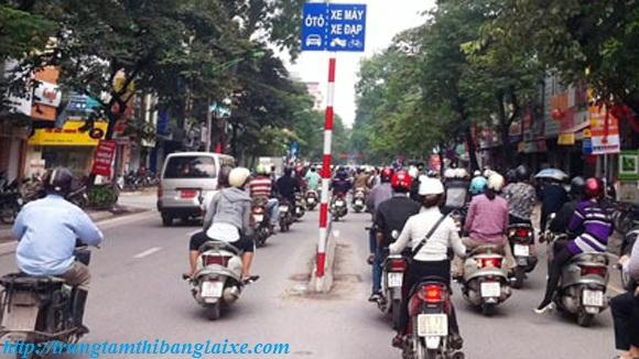 lỗi đi sai làn đường xe máy